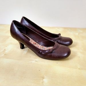Seychelles • Chocolate Sensible Pump • 8.5